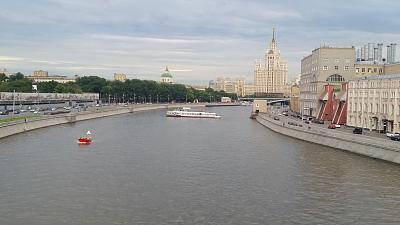 Нажмите на изображение для увеличения Название: Кадашёвская  набережная  в Москве.jpg Просмотров: 76 Размер:97.1 Кб ID:935