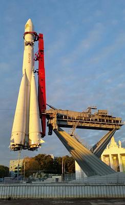 Нажмите на изображение для увеличения Название: ВВЦ 5 утра - запуск космического корабля.jpg Просмотров: 73 Размер:78.5 Кб ID:939