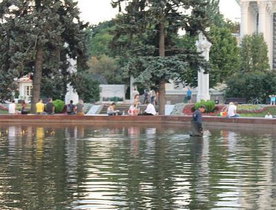 Нажмите на изображение для увеличения Название: Сбор мелочи в фонтане.jpg Просмотров: 127 Размер:75.1 Кб ID:437