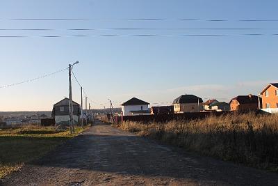 Нажмите на изображение для увеличения Название: Улица в поселке.JPG Просмотров: 140 Размер:93.2 Кб ID:259